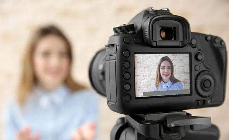 برای تولید محتوای ویدیویی و ساخت ویدیو منتظر تجهیزات حرفهای نمانید
